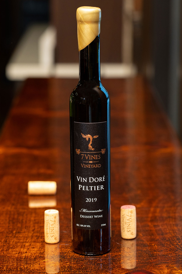 2019 Vin Doré Peltier bottle shot